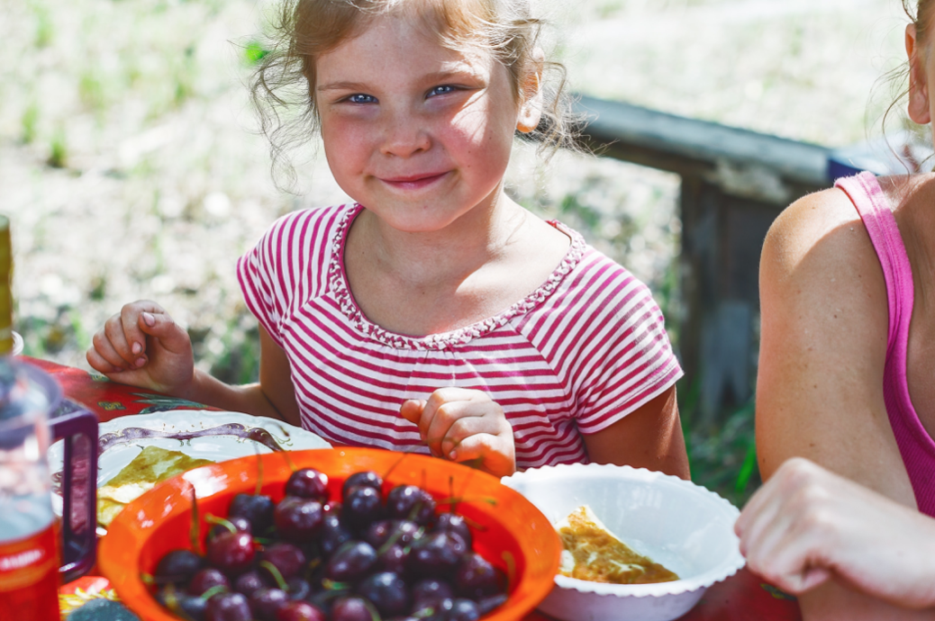 Read more about the article Five Steps for Teaching Kids About Nutrition